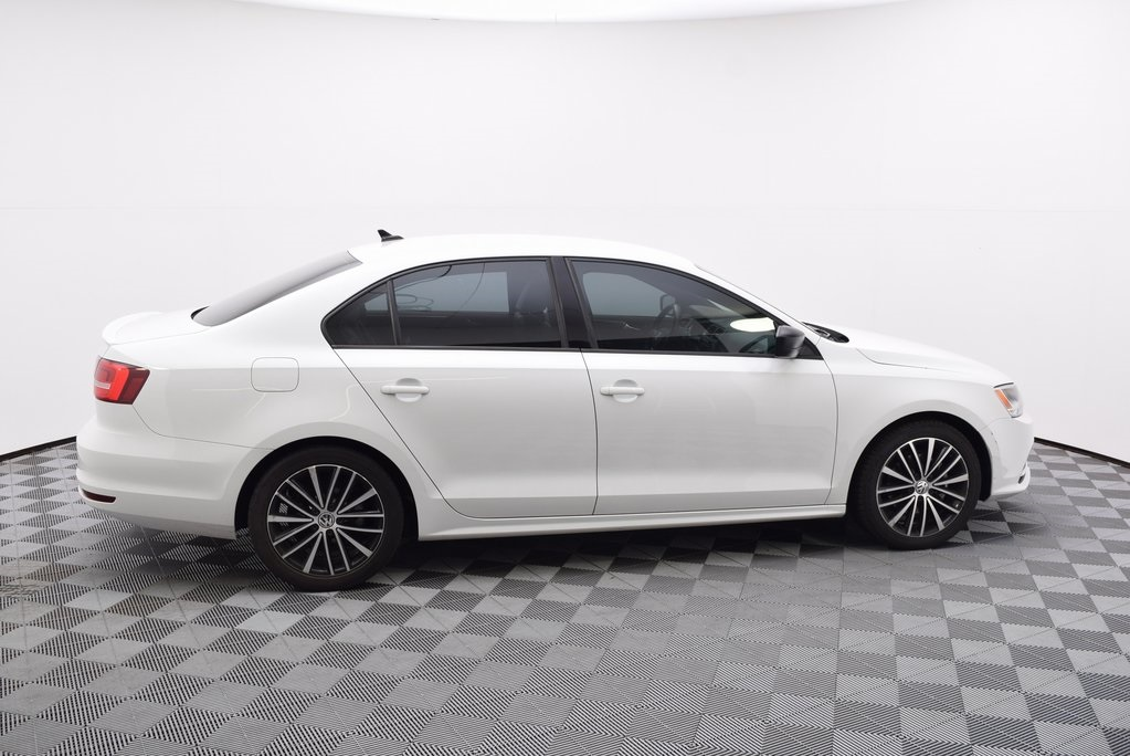 Certified Pre-Owned 2015 Volkswagen Jetta 1 8T Sport w/Connectivity FWD 4D  Sedan