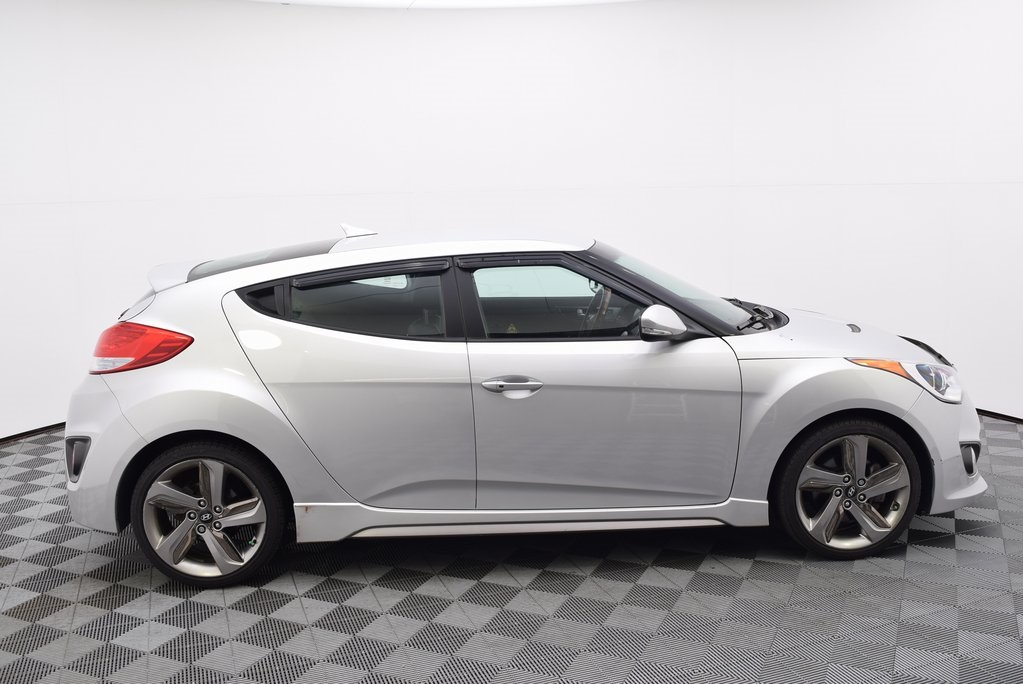 Pre-Owned 2013 Hyundai Veloster Turbo w/Black FWD 3D Hatchback